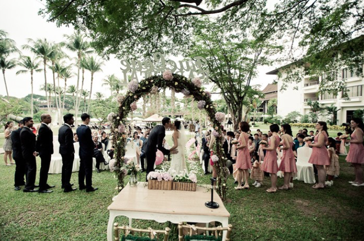 Image Credit: theweddingnotebook.com