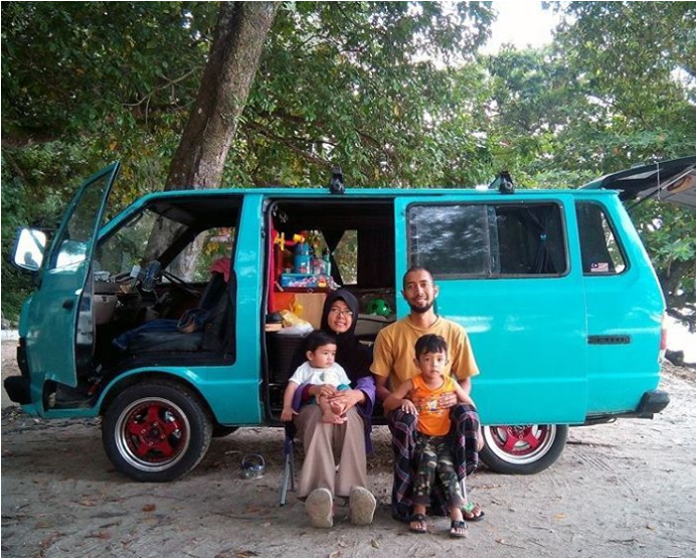 Msian Family Converts An Old Van And Is Living The VanLifeMovement